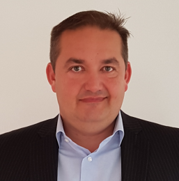Claus Holm, IM Director & Country Manager for Samsung i Danmark.